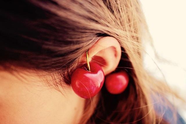 Ucho z wiśnią
